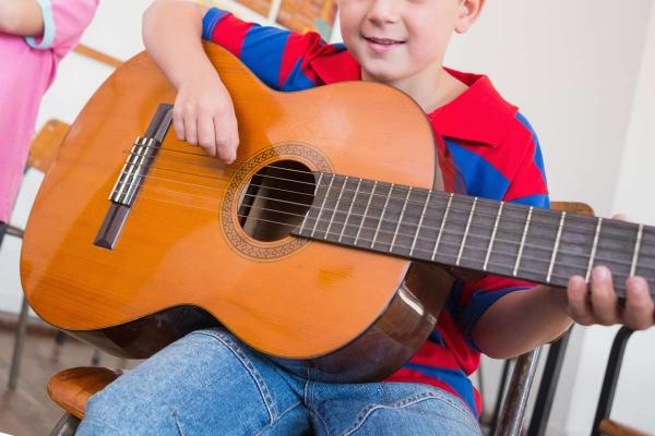 clases-guitarra-flamenca-jerez